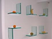 Стеклянные полочки на стену