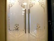 Распашные межкомнатные стеклянные двери