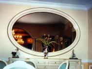 Овальное зеркало в ванную комнату